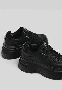 Bershka - Trainers - black - 2