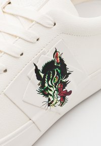 Ed Hardy - PATCH WOLF - Sneakers - white - 5