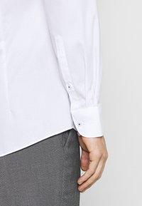 OLYMP - Košile - white - 4