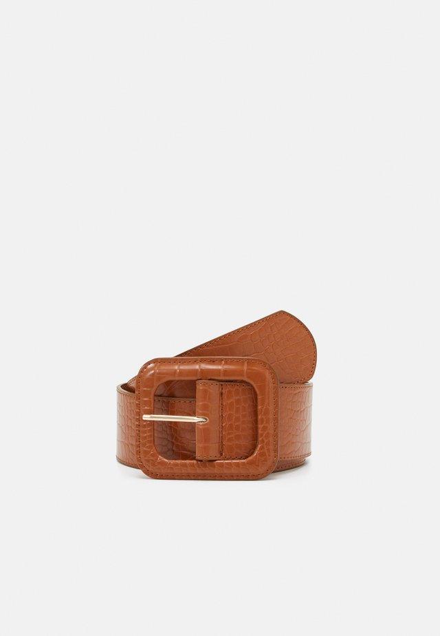 Pásek - cognac