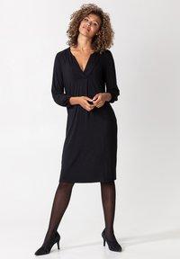 Indiska - SYLVIA - Žerzejové šaty - black - 0