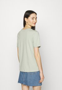Pieces - PCRIA FOLD UP SOLID TEE  - Basic T-shirt - desert sage - 2