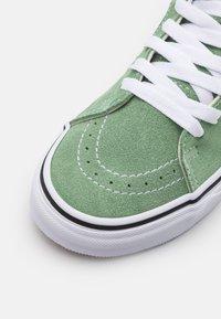 Vans - SK8-HI UNISEX - Vysoké tenisky - shale green/true white - 5