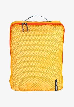 Suit bag - sahara yellow