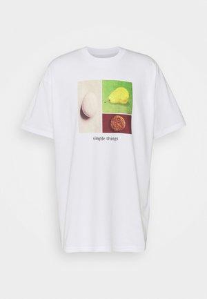 SIMPLE THINGS - Print T-shirt - white