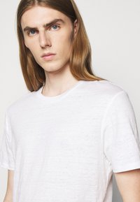 J.LINDEBERG - COMA - Basic T-shirt - white - 4