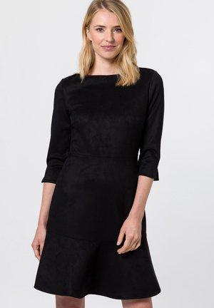 MIT U BOOT AUSSCHNITT - Day dress - black