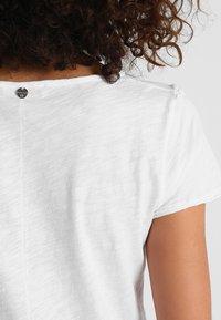 Rich & Royal - SLUB PEPLUM - T-shirts med print - white - 4