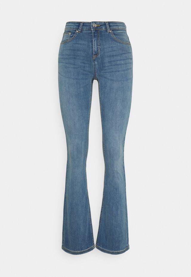 BYLOLA BYLUNI  - Flared Jeans - light blue