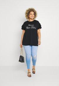 Simply Be - MERCI MON CHERI - Print T-shirt - black - 1