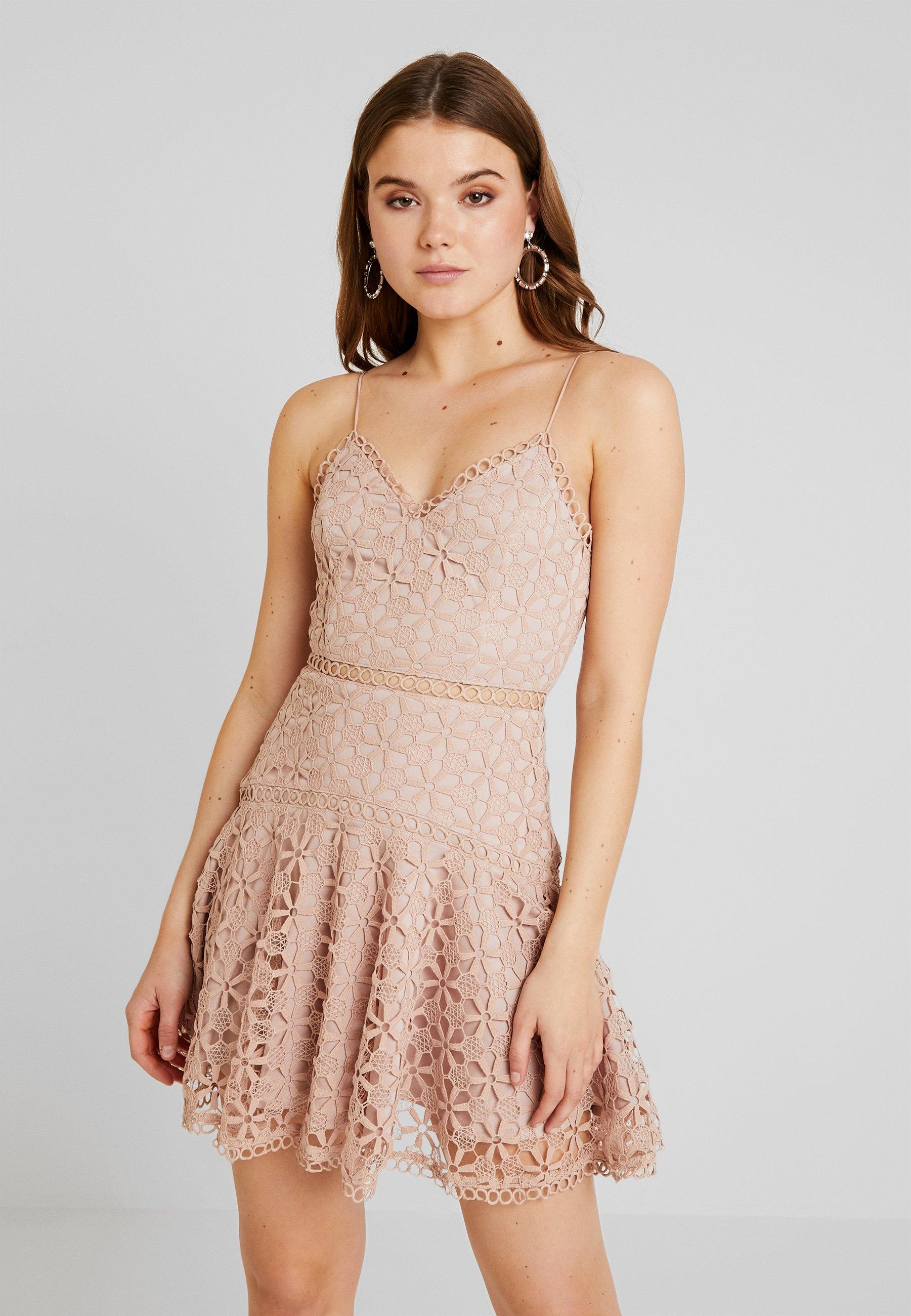Love Triangle Perfect World Mini Dress Robe De Soiree Nude Beige Zalando Fr