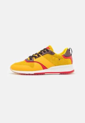 VIVEX  - Sneakers laag - yellow