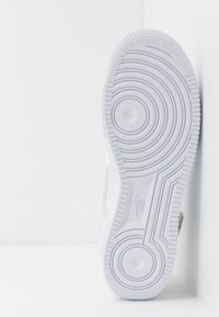 Nike Sportswear - AF1-TYPE SP20 - Sneakersy niskie - white/black - 7