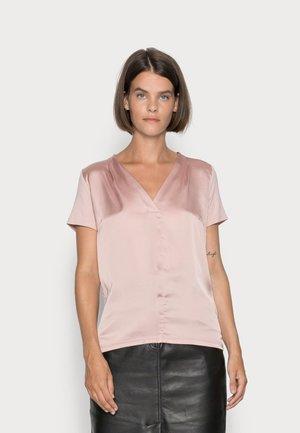 T-shirts - pastel rose