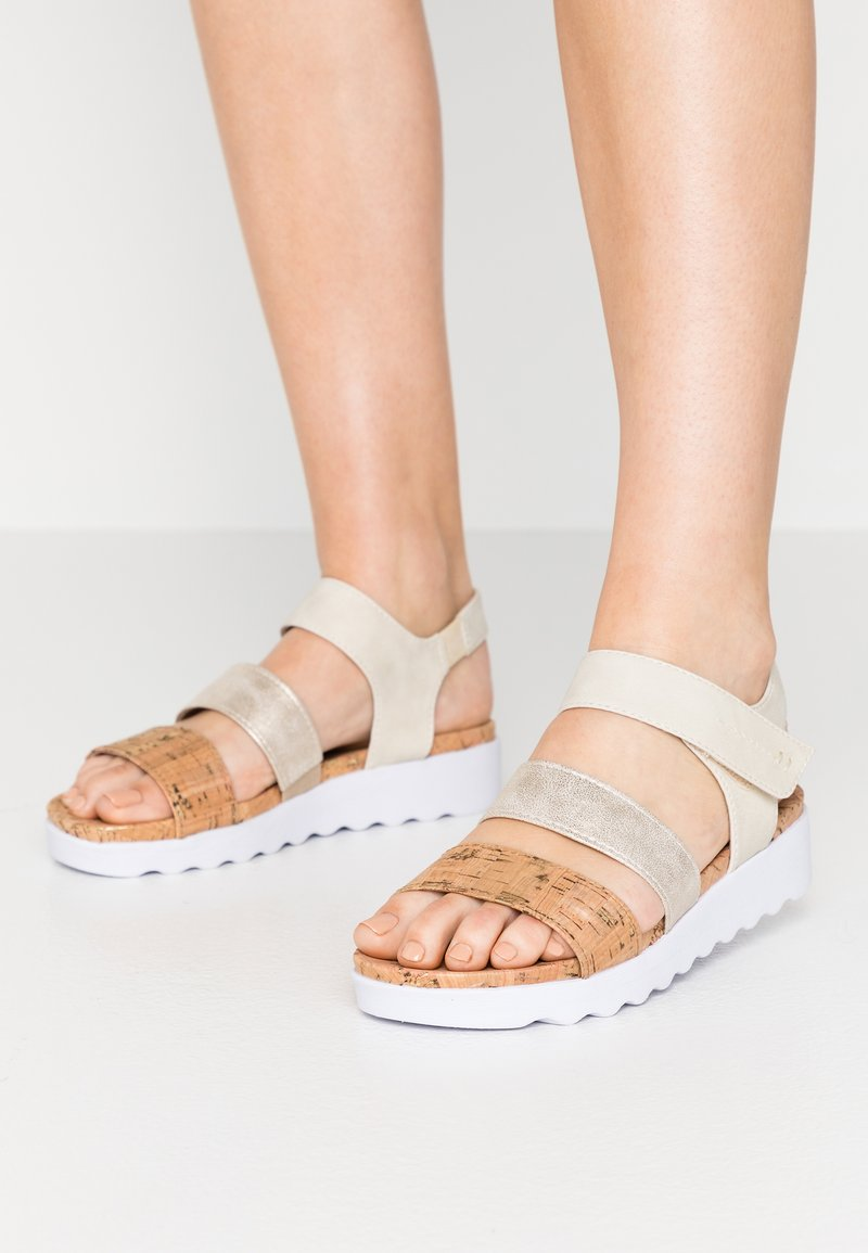 Jana - Platform sandals - pepper/light gold