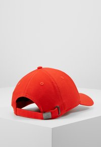 The North Face - CLASSIC HAT - Cappellino - fiery red - 3