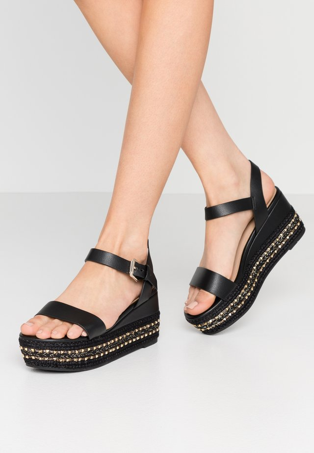 WIDE FIT MAUMA - Sandalias con plataforma - other black