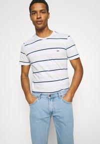Lee - LUKE - Jeans slim fit - light alton - 3