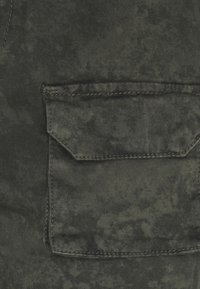 Good For Nothing - ACID WASH PANTS ONLY SIZE - Cargobyxor - green - 4