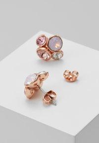 Ted Baker - LYNDA JEWEL CLUSTER STUD EARRING - Earrings - rose gold-coloured/pink - 0