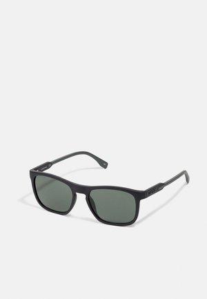 Sunglasses - matte black/green
