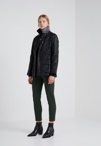 Barbour - BEADNELL WAX JACKET - Light jacket - black - 1