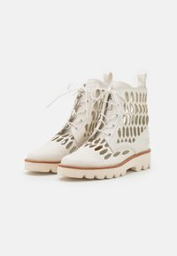 Melvin & Hamilton - SELINA 51 - Lace-up ankle boots - white/natural/offwhite - 2