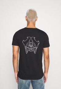 Diesel - T-INY T-SHIRT - Camiseta estampada - black - 2