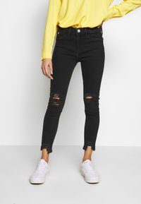 River Island Petite - PETITE MOLLY BAXTER - Slim fit jeans - black - 0