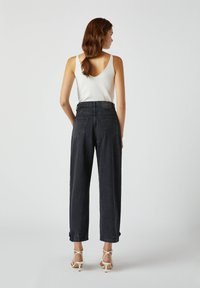 PULL&BEAR - Relaxed fit jeans - black - 2