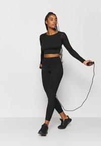 South Beach - DETAIL - Long sleeved top - black - 1