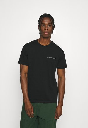 TEE POPINCOURT OUT OF OFFICE - T-shirt print - black