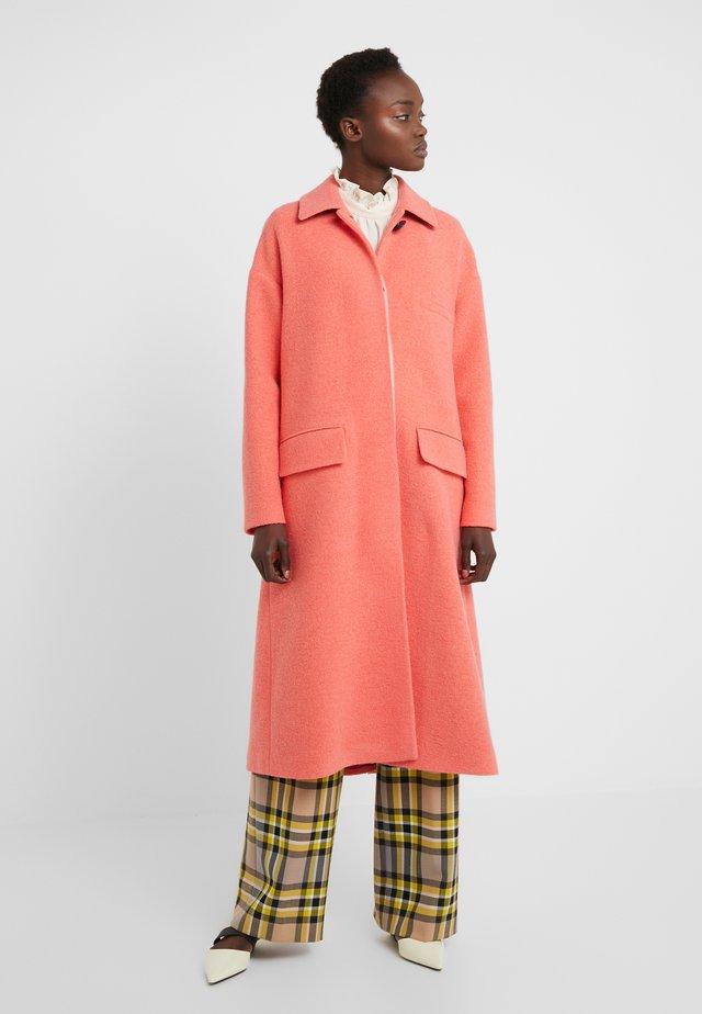 Classic coat - coral