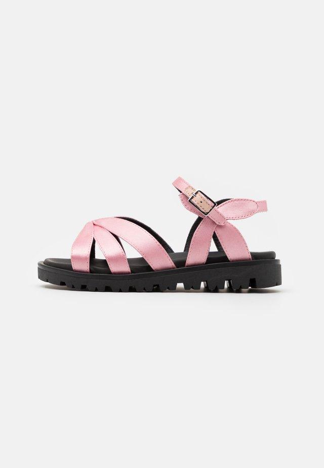 Sandaler - light pink