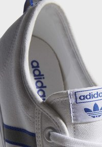 adidas Originals - NIZZA  - Scarpe skate - white - 9