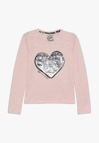 Lemon Beret - TEEN GIRLS  - Langærmede T-shirts - english rose - 0