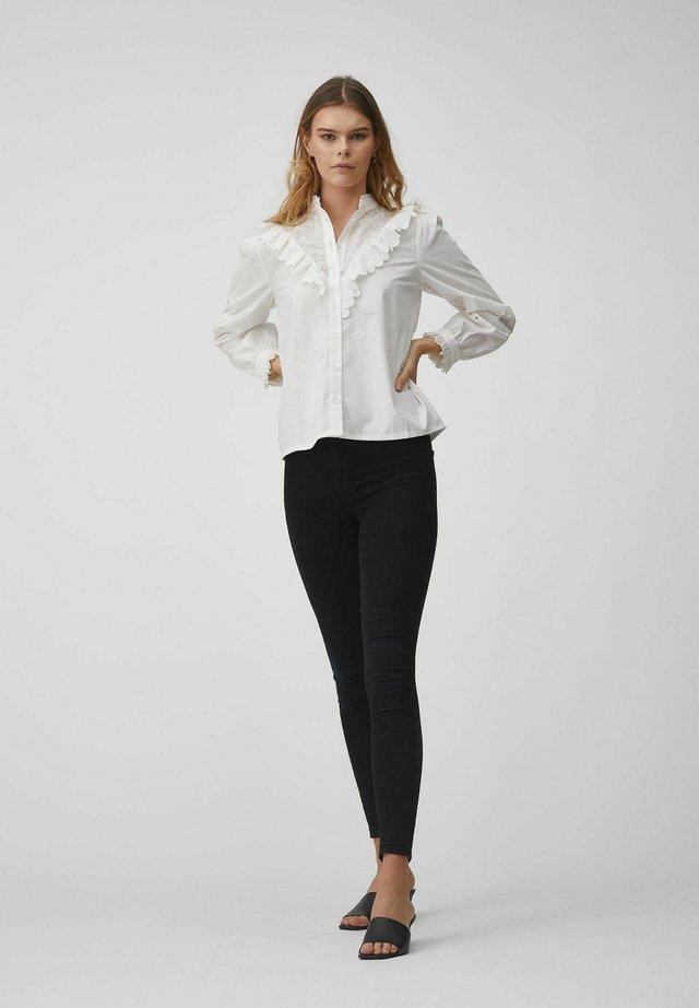 KATJA - Skjortebluser - white