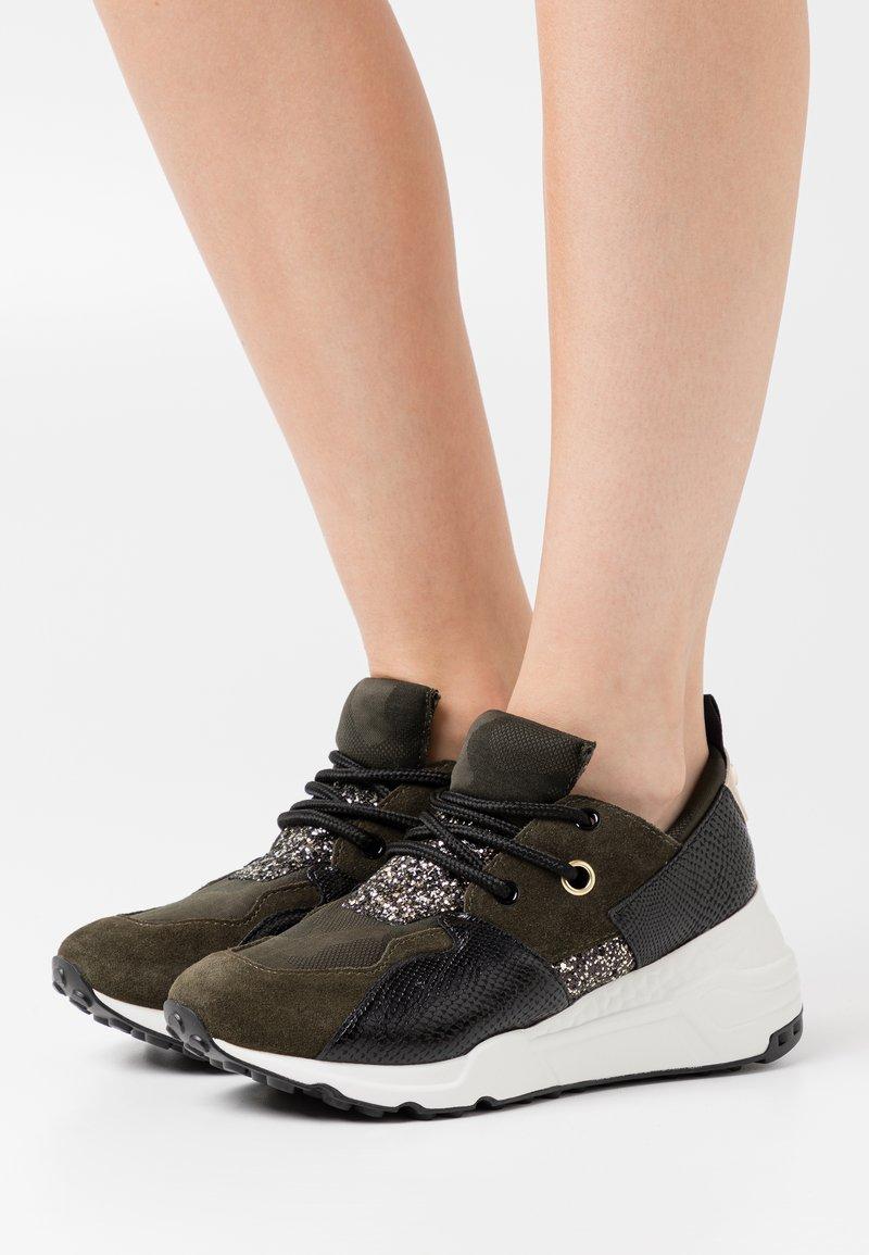 Steve Madden - CLIFF - Sneakers - black/olive