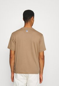 BOSS - BOSS X RUSSELL ATHLETIC - T-Shirt print - medium beige - 2