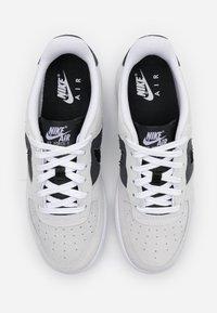 Nike Sportswear - AIR FORCE LV8 FRESH AIR - Trainers - white/off noir/iron grey - 3
