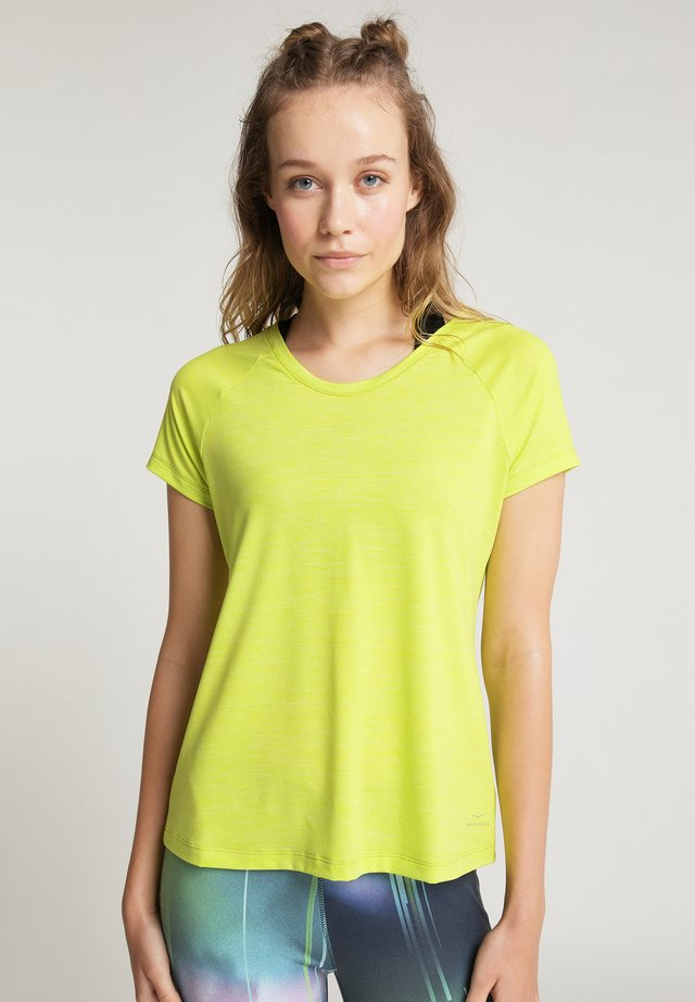 DERYA - Basic T-shirt - lime punch