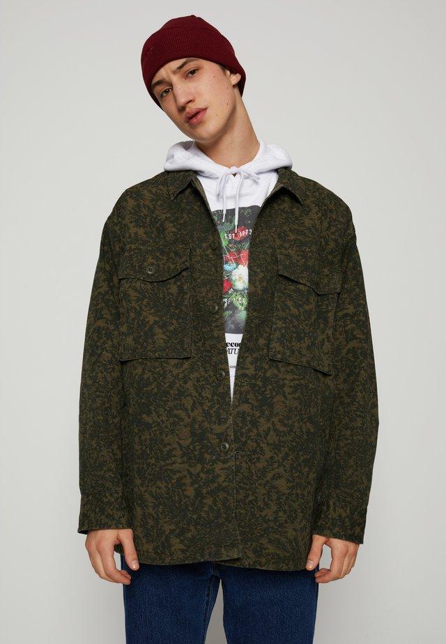 HAYES UNISEX - Summer jacket - greens