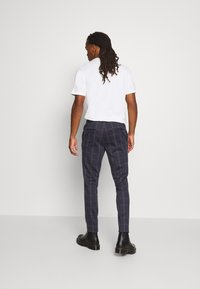 Only & Sons - ONSELIAS CHECK  PANTS - Kalhoty - dress blues - 2