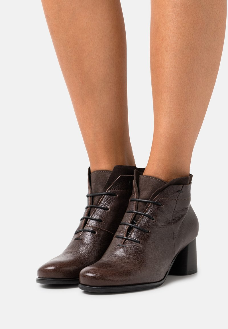 lilimill - MALABRY - Lace-up heels - zoel brown