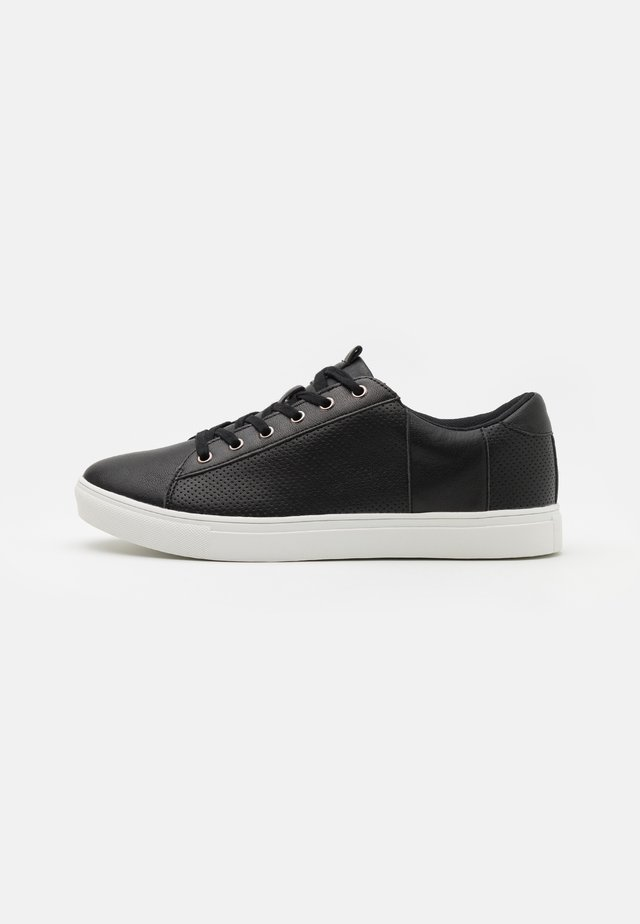 DICKSON CLASSIC - Trainers - black/white