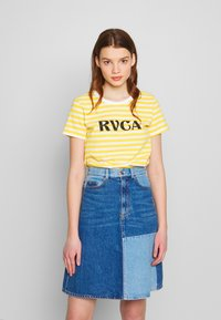 RVCA - MURPHY STRIPE TEE - T-shirt z nadrukiem - yellow - 0