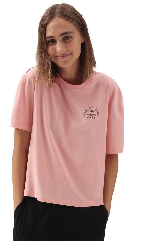 WM RETRO RETIREMENT SS TEE - T-shirt con stampa - coral almond