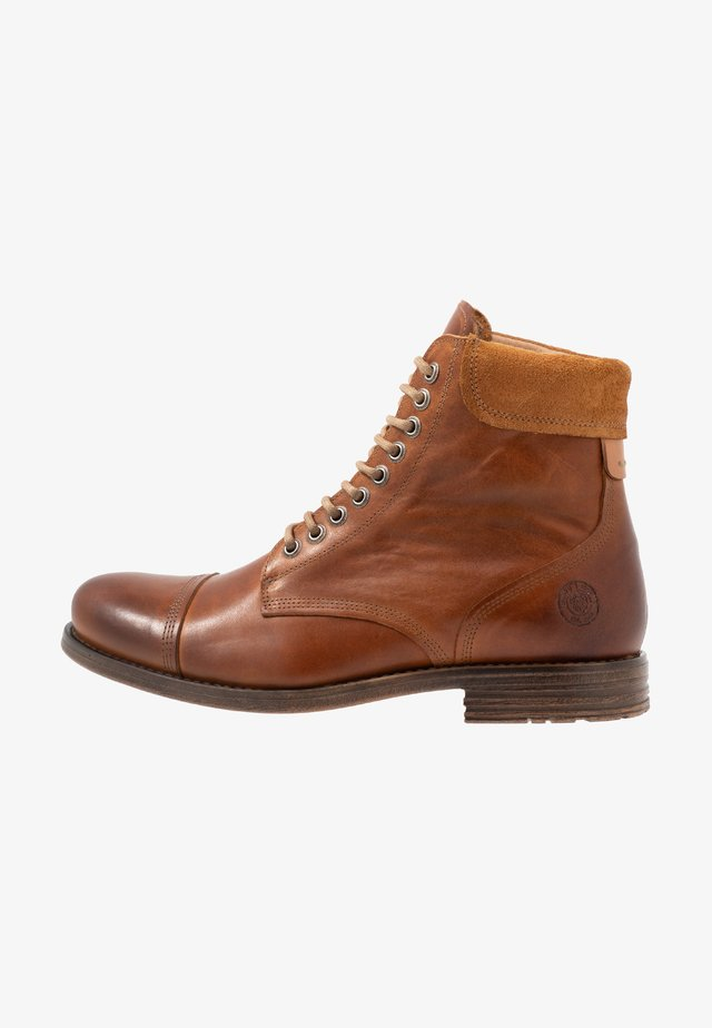 DOVERLAKE - Lace-up ankle boots - cognac