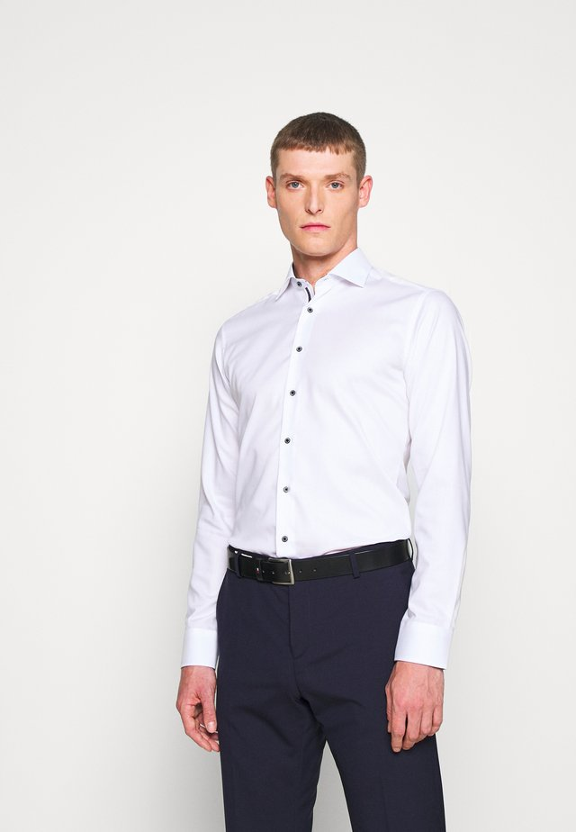 SLIM FIT CLASSIC - Business skjorter - weiß