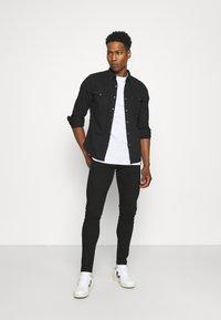 Newport Bay Sailing Club - 5 PACK - T-shirts basic - black/white/grey marl/khaki/navy - 0